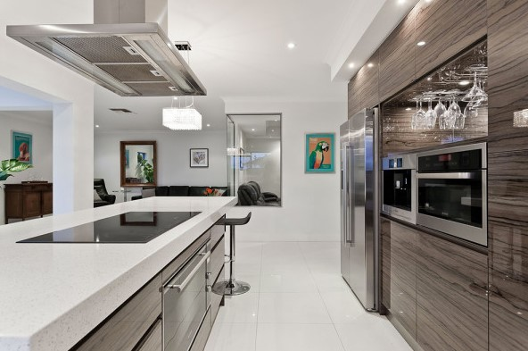 One's heart From the Contemporary House Along with Contemporary Kitchen areas